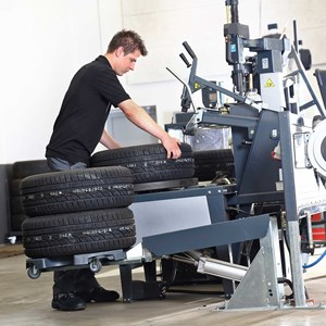 Wheel trolley - tyre changer 3.jpg